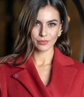 Червено палто GENTIANA3